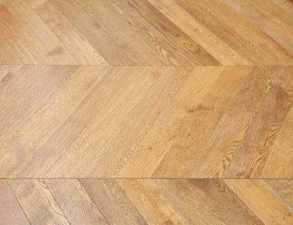 Brushed Lacquered Oak 600 x 90 x 18/4mm