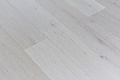 Brushed,White Wash Lacquered Oak 189mm wide 15mm
