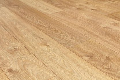 8mm_Smoked_Oak_V_Groove_Laminate_Floorings_02
