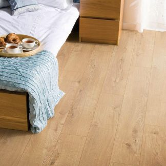 Woods_12mm_Laminate_Flooring_Tortilla_Oak