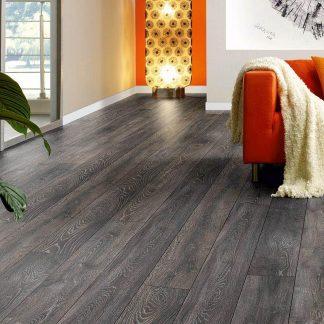 Woods_12mm_Laminate_Flooring_Umber_Oak_01_Retail